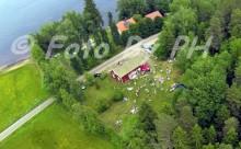 Midsommarfirande i Bredebolets gamla skola vid Sänningen i Töreboda kommun